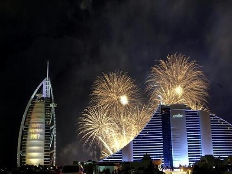 3325560-new_year_2007_fireworks-united_arab_emirates_medium
