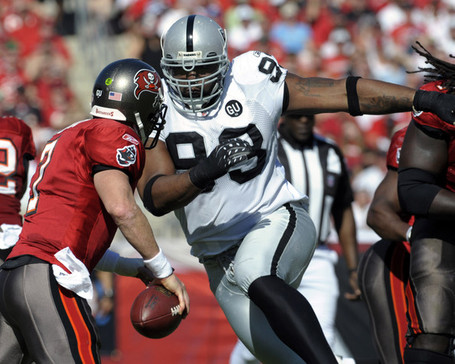 Oakland_raiders_v_tampa_bay_buccaneers_go-f8-hpv9tl_medium