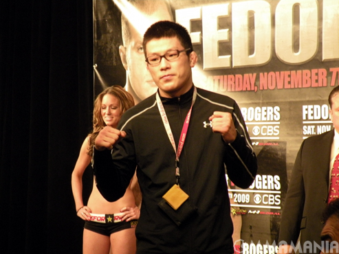 Strikeforce 'Fedor vs Rogers' weigh in photos and gallery for Nov. 6