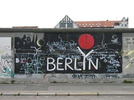 Berlin-wall4_medium