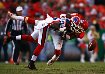 Buffalo_bills_v_kansas_city_chiefs_fwu_2dfpazsm_medium