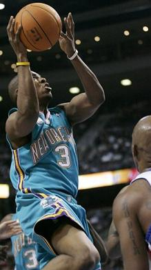 Chauncey executes the spectator defense.