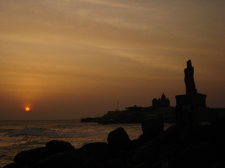 Kanyakumari_sunrise_new_medium
