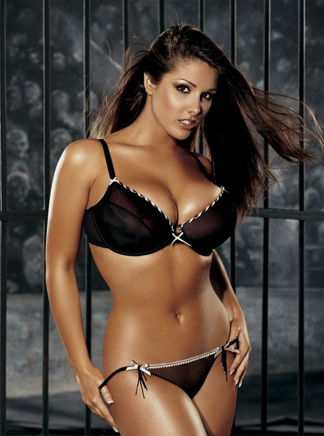 Lucy-pinder_medium