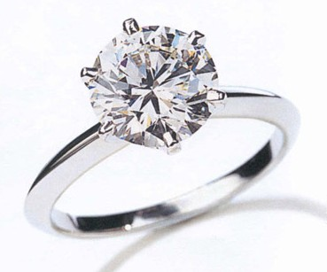 Diamond_engagement_rings1_medium