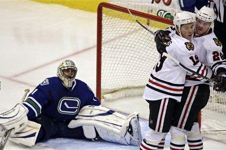 52714_blackhawks_canucks_hockey_medium