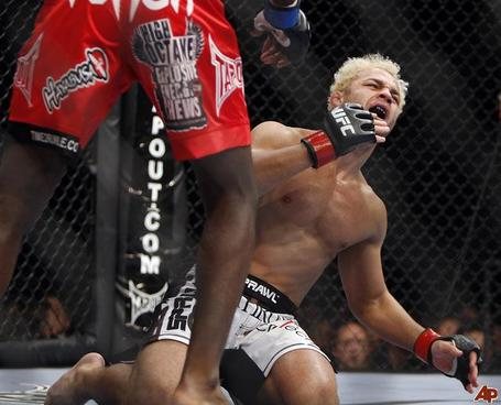 Anthony-johnson-josh-koscheck-2009-11-22-2-10-20_medium