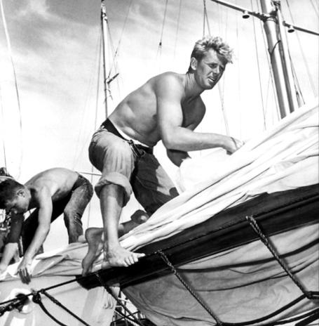 Sailing_medium