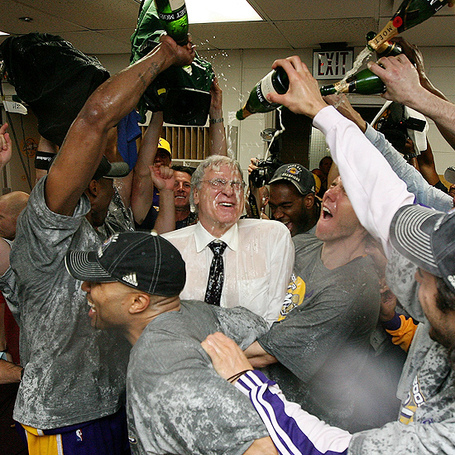 Lakers-celebrate_medium