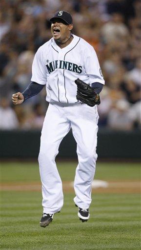 181543_yankees_mariners_baseball_medium