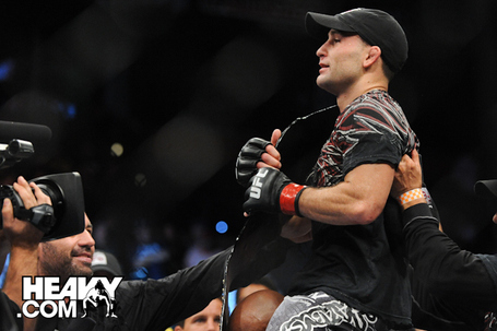 Ufc118_penn_edgar-6_medium