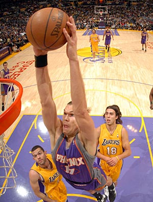 1210lal_amundson_dunk_300_medium