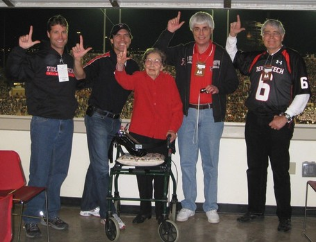 20081101gunsup1_medium
