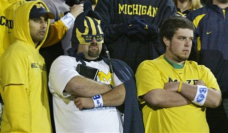 Michigan_fans_watching_app_state_loss_medium