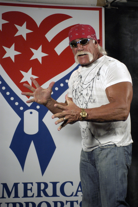 Hulk_hogan2_medium