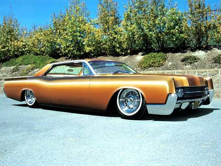 Lincoln-continental_medium