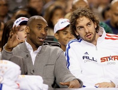 Kobe_bryant_talks_to_pau_gasol_during_the_2010_all_star_game_medium