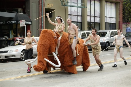 Wooly-mammoth-bay-to-breakers-2006_medium