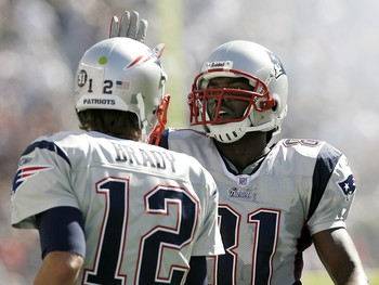 National-football-league-afc-new-england-patriots-tom-brady-randy-moss-nfl-afc-nep-00015lg_medium