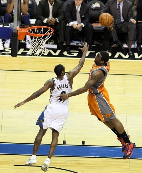 Amare_stoudamire_and_gilbert_arenas_2c_nov_2009_medium