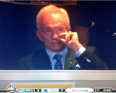 Jerry_20jones_20picking_20his_20nose_medium