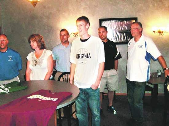 Paul Jesperson chooses Virginia (Photo by Mitch Skurzewski/Wausau Daily Herald)