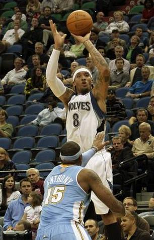 Minnesota-timberwolves-michael-beasley-8-shoots_medium