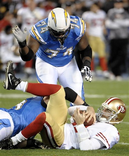 77685_49ers_chargers_football_medium