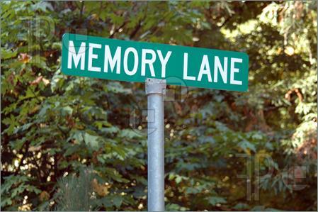 Memory-lane-1091582_medium
