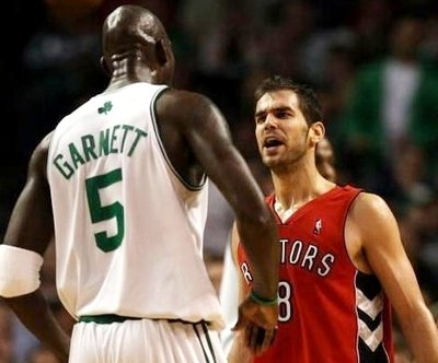 Kevin-garnett-jose-calderon_medium