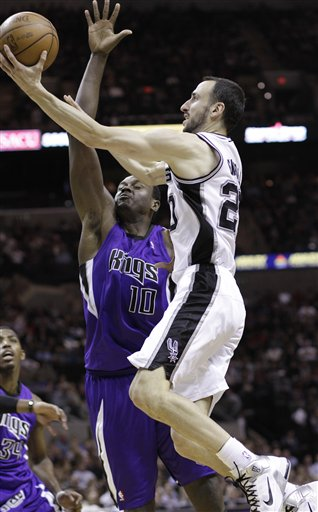 103950_kings_spurs_basketball_medium