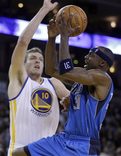 104513_mavericks_warriors_basketball_medium