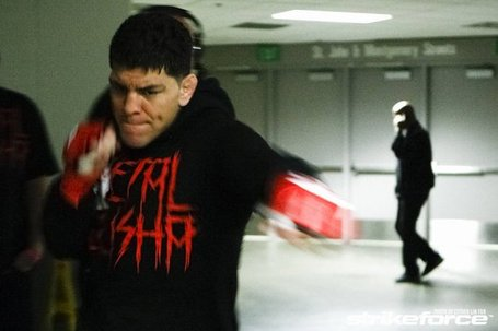 Nick_diaz_warming_up_medium