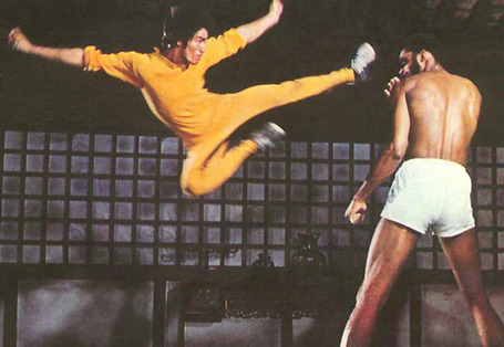 Bruce-lee-kareem-flying-kick-dragon_medium