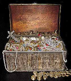 Pirates-treasure-chest_medium