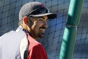 211607_red_sox_gonzalez_baseball_medium