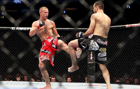 Ufc_cerrone_crushes_the_legs_of_rocha_for_second_ufc_win_large_medium