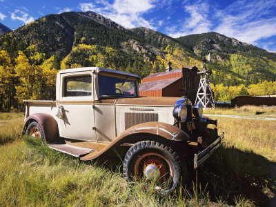 Flaherty-dennis-old-international-pickup-near-lake-city-colorado-usa_medium