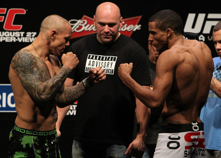 Ufc134_weighin_027_medium