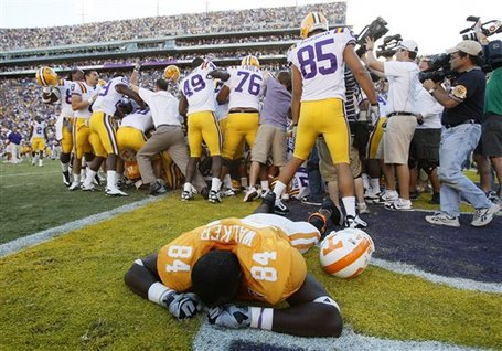 48392_aptopix_tennessee_lsu_football_medium