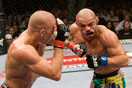 Ufc100_09_gsp_vs_alves_010_medium