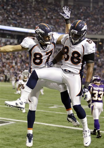 Broncos_vikings_football_97193_game_medium