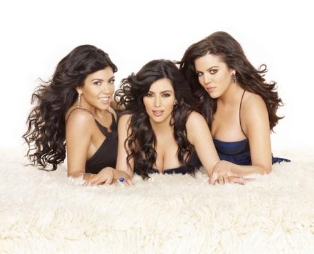 Keeping-up-with-the-kardashians-20080306085041322_640w_medium