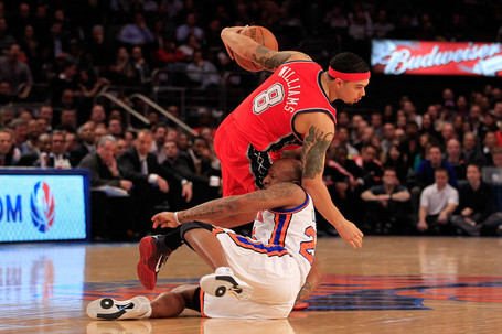 Deron_williams_new_jersey_nets_v_new_york_jh9m2ekjhttl_medium