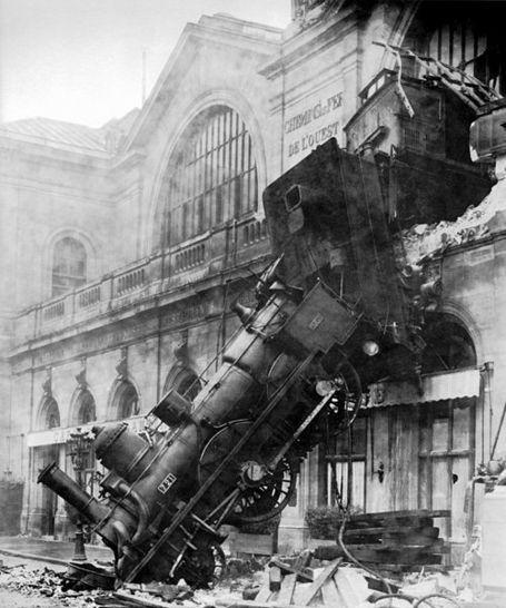 500px-train_wreck_at_montparnasse_1895_medium