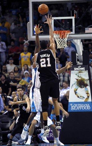 117263_spurs_hornets_basketball_medium
