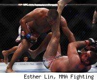 Dan Henderson beats Shogun Rua at UFC 139.