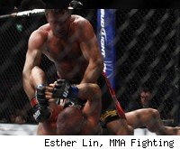 Stephan Bonnar beats Kyle Kingsbury at UFC 139.