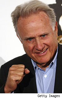 HBO analyst Larry Merchant had some choice words for Floyd Mayweather after their post-fight interview.