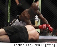 King Mo Knocks Out Roger Gracie at Strikeforce.